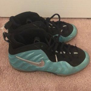 Nike Shoes - Boys foam posites in teal blue